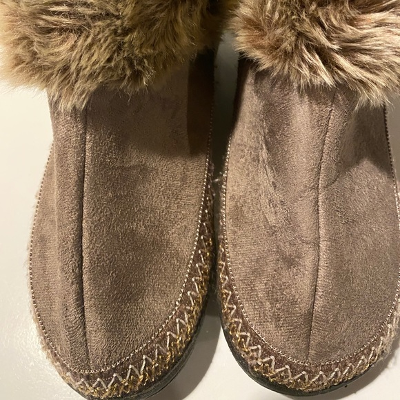 Isotoner Bootie House Shoes